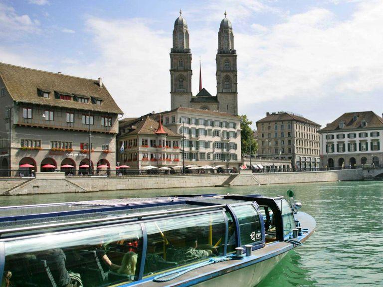 Passeio de barco pelo rio Limmat | O que fazer em Zurique (créditos: zuerich.com)